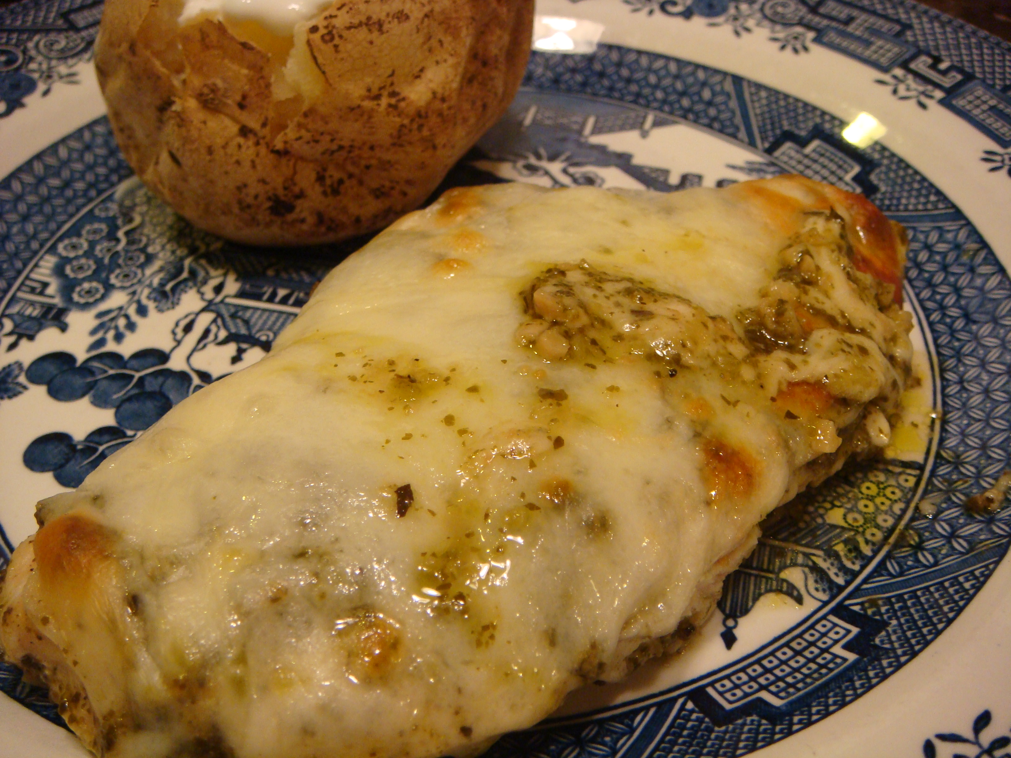 Easy Recipe for Baked Pesto Chicken (LowCarb, GlutenFree